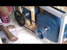 Confused By Green Energy Options? - Energy Tips Magnetic Generator, Power Generator, Tesla Free Energy, Alternative Energie, Solar Powered Lamp, Advantages Of Solar Energy, Green Technology, Solar Panel Installation, Energy Projects