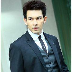 one of my fav Thai actor, AUM Atichart Chumnanon Asian Actors, Korean Actors, Thai Drama, My People, Asian Men, Cute Boys, Actors & Actresses, Singers, Culture
