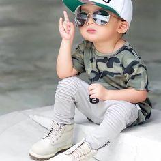 Foto Baby Boy Swag, Baby Boy Dress, Cute Baby Boy, Baby Kids, Dresses Kids Girl, Cute Baby Girl Pictures, Baby Girl Images, Boy Images, Baby Photos
