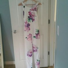 Beautiful floral maxi from revolve clothing Long white maxi wore once for engagement photos on beach. Pretty open back. Size 6 UK so more like a size 2 us. toby heart ginger Dresses Maxi