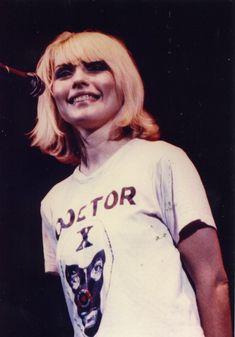 blondie lookin' cuuute