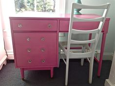 sparkly pink desk for girls, could also use the same style for refinishing a dresser