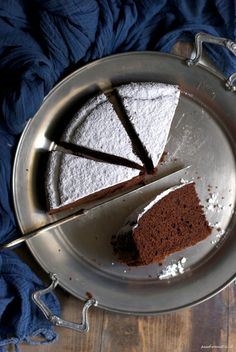 Bread, butter and anchovies: Margherita cake with cocoa My Recipes, Sweet Recipes, My Favorite Food, Favorite Recipes, I Love Chocolate, Chocolate Cakes, Macaron Cake, Torte Cake, Plum Cake