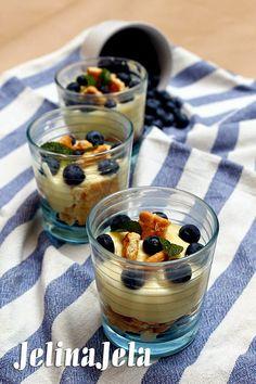 Prava mera - Parfe krem sa borovnicama #food #desert #forestfruit #parfait #custard