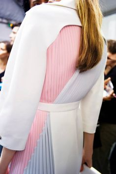 Details at Dior resort 14 The Detailing on this coat is amazing. Everything from the colour palette, the pleated back and the curved yoke towards the back neckline. Inspired for S/S 14/15