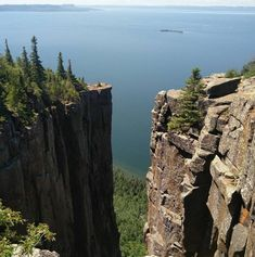 14 Towns In Ontario To Visit If You're Too Broke To Go To Europe - Social Media Collections Camping Places, Places To Travel, Places To See, Landscape Photos, Landscape Photography, Nature Photography, Nature Landscape, Photography Ideas, Quebec