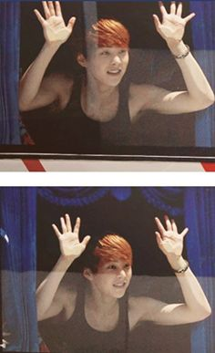 EXO Xiumin clinging on the bus window. Greeting the fans. Such a cutieee☆ I can't get over the fact that he looks so cute here! Chanyeol Baekhyun, Exo K, Park Chanyeol, 2ne1, Dance 90, K Pop, Got7, Ulzzang, Exo Official
