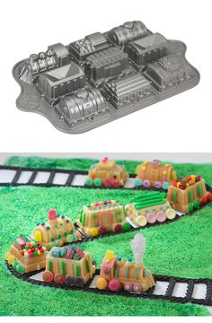 Train Cake Pan wow! That looks like fun:)