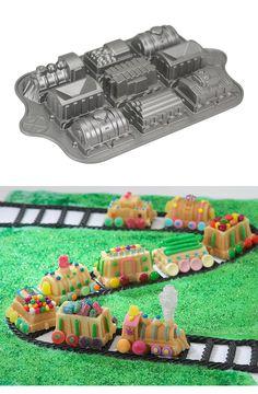 Train Cake Pan wow! That looks like fun:)