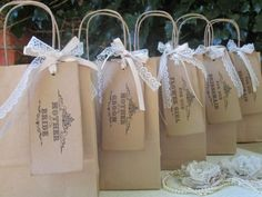 Vintage style gift bags - Set of 5 1 x Mother of the Bride 1 x Mother of the Groom 2 x Bridesmaid I x Flower Girl Vintage style gift bags including