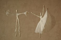 Russian, Stariy Chemodan creates these adorable, cute and whimsical wire and paper napkin ballerinas!Great for Christmas decorations, mob...