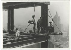 Jaw-Dropping Photos Of The Construction Of The Empire State Building - Lewis Hine Empire State Building, Construction Worker, Under Construction, World Trade Center, Old Pictures, Old Photos, Vintage Photos, Vintage Photographs, North Tower