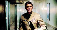 Dean as an army doctor. This man...this man can put in ANY costume from ANY time period and look as if he belongs. Wow.