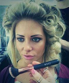 Michelle Court Pro MUA using MOXI brush on Bianca Gascoigne