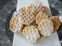 Feiner Start in die Weihnachtsbäckerei mit Rahm-Mürbchen aus dem Waffeleisen