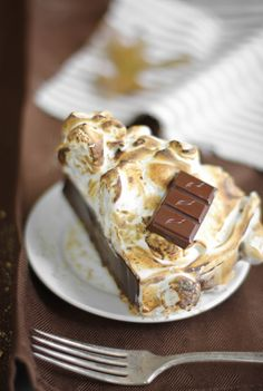 Sprinkle Bakes: Spiked S'mores Pie ***Sweet & yummy :) What to do??? Another sinful snack to try...  :-)