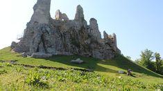 5 hradných zrúcanín vhodných pre výlet s menšími deťmi - UbytovanieNaSlovensku.EU Half Dome, Mountains, Nature, Travel, Naturaleza, Viajes, Destinations, Traveling, Trips
