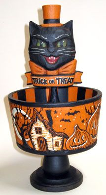 Love vintage Halloween decor! ;)
