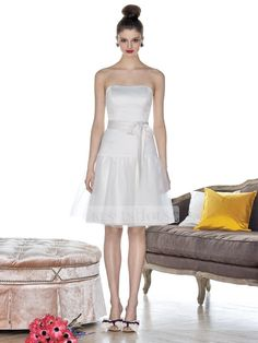 A-line Strapless Straight Neckline Knee Length Taffeta Bridesmaid Dress BD10256