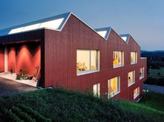 Spillmann Echsle Architekten gave iconic Swiss design a contemporary twist with a sawtooth roof on the prefabricated House Uesslingen. Prefabricated Houses, Prefab Homes, Sawtooth Roof, Commercial Roofing, Roof Architecture, Container Architecture, Amazing Architecture, Roof Styles, Unusual Homes