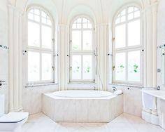 bathroom in Grape Hotel www.grapehotel.pl
