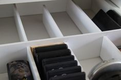 Great way to make inexpensive drawer dividers (using foam board), so you can customize them how you want them! Makeup Drawer Dividers, Diy Makeup Storage Vanity, Diy Storage Drawers, Makeup Room Diy, Diy Drawer Organizer, Makeup Drawer Organization, Organization Hacks, Scrapbook Organization, Clothes Storage