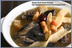 Chinese Herbal Black Chicken Soup (药材乌鸡清补汤)  My devotion for Chinese  herbal soup will not simply endwith papaya soup with American ginseng...