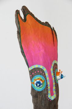 Painted Driftwood, Driftwood Art, Tiki Head, Twig Art, Eco Kids, Metal Garden Art, Painted Sticks, Aboriginal Art, Beach Art