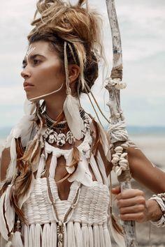Handcrafted,handmade,headband braided,hairband,hairdress,braids,white,feathers headpiece,boho style,boho chic,gypsy,hippie,native american by MockNi on Etsy https://www.etsy.com/uk/listing/269633838/handcraftedhandmadeheadband