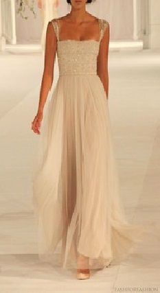 Nice for either prom or a wedding, I love the sleeves, totally having them for my prom dress!