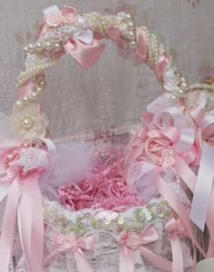 Olivia's Romantic Home: Glam Easter Baskets
