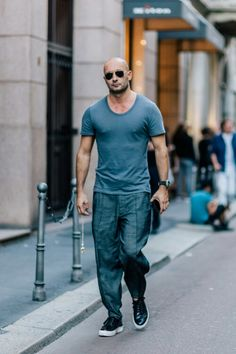 Milan Vukmirovic - Scoop Neck Tee/Jogger Pants/Leather Sneakers