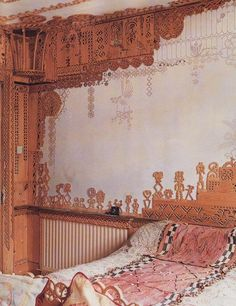 nice walls, i remem i like wall muraling  because me mum use to do quite a bit- i best remem her beautiful tree of life on thee entire living room wall
