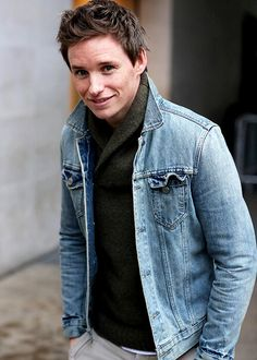 {FC: Eddie Redmayne} Hello, I'm Eddie. I'm 20 years old and single. I'm from the U.K. but I'm guess that you already know that from the accent. I do some acting and modeling. I also like art, reading and photography. I'm awkward and quirky.
