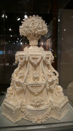 Wedding cakes - A really useful info on inspirations to form a grand wonderful. unique wedding cakes creative breautiful and ingenious suggestion reference imagined on this day 20181231 Extravagant Wedding Cakes, Big Wedding Cakes, Luxury Wedding Cake, Amazing Wedding Cakes, Elegant Wedding Cakes, Elegant Cakes, Wedding Cake Designs, Wedding Cake Toppers, Extreme Wedding Cakes