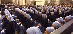 Iesucommunio - Conoce el nuevo Instituto Religioso aprobado el 8 de diciembre de 2010 por a sede apostólica.