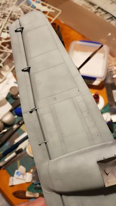 using a Scotch Brite - QA: Tips, Techniques, and Photography - Large Scale Planes Modeling Techniques, Modeling Tips, Styrofoam Crafts, Stencils Online, Ho Model Trains, Model Tanks, Thing 1, Military Modelling, Air Brush Painting