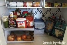 Organize your pantry for less with these dollar store DIY pantry organization ideas. These organizing ideas are perfect for small pantries to help you maximize your space. There are cheap pantry organization and storage ideas for cans, jars, spices, snacks and much more! Diy Spice Rack, Spice Storage, Diy Storage, Storage Ideas, Onion Storage, Pantry Storage, Kitchen Drawer Organization, Organization Hacks, Organizing Ideas
