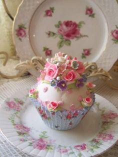 (Mindy) Fake Cupcake