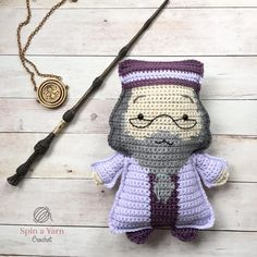 Crochet Toys Patterns Ragdoll Dumbledore Free Crochet Pattern - Welcome to Hogwarts Week This is the second annual week of magic that I have held here on the… Crochet Gratis, Crochet Amigurumi, Cute Crochet, Crochet Yarn, Crochet Stitches, Kawaii Crochet, Crochet Dolls Free Patterns, Crochet Doll Pattern, Amigurumi Patterns