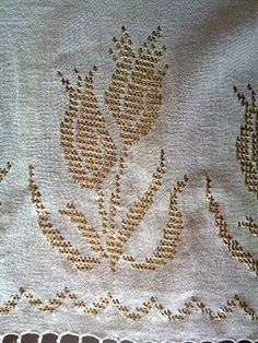 tel kırma Crewel Embroidery, Cross Stitch Embroidery, Embroidery Designs, Gold Work, Handicraft, Needlework, Sewing, Antiques, Cello