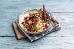 Grønne retter på under 10 minutter - oppskrift! Japchae, Pasta, Ethnic Recipes, Food, Essen, Meals, Yemek, Eten, Pasta Recipes