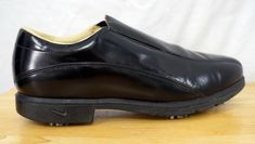 Very very minor wear on shoes and spikes. Nike Golf, Golf Shoes, Men's Accessories, Black Nikes, Cleats, Patent Leather, Chelsea Boots, Nike Air, Slip On