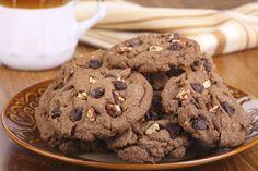 Las galletas de chocolate son una receta que se preparan solo con 5 ingredientes, el sabor es delicioso y pueden hacerlas en tiempo record. Para decorar pueden optar por un poco de glasé o mejor aún, por unos chips de chocolate.  http://www.linio.com.co/hogar/cocina-y-mesa/?utm_source=pinterest&utm_medium=socialmedia&utm_campaign=COL_pinterest___hogar_cocinahome_20140425_19&wt_sm=co.socialmedia.pinterest.COL_timeline_____hogar_20140425cocinahome.-.hogar