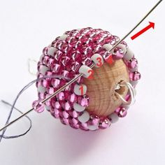 Kulička obšívaná rokajlem - precizní postup.