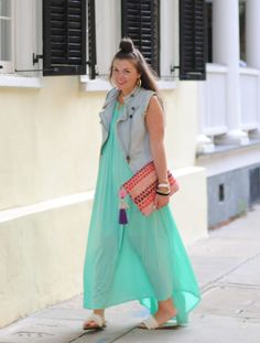 A Flowy Maxi Dress is Exactly What You Need for a Good Breeze in the Summer Heat Maxi Skirt Style, Dress Skirt, Maxi Dresses, Maxi Skirts, Stylish Outfits, Fashion Outfits, Badass Style, Vogue Fashion, Casual Chic