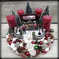 Christmas Gingerbread, Christmas Home, Christmas Wreaths, Christmas Crafts, Christmas Decorations, Xmas, Holiday Decor, Advent Wreath Candles, Christmas Villages