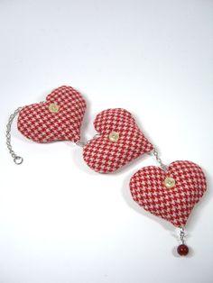Día de San Valentín corazones rojos perros blancos del diente colgantes decoración país granja decoración