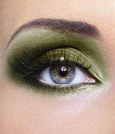 Khaki Pure Mineral Eye Shadow | Ingredients: Mica, Titanium Dioxide, Iron Oxide.  That's it. Period.  #veganmakeup
