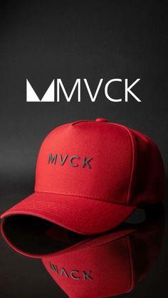 """45 curtidas, 0 comentários - MVCK (@use.mvck) no Instagram: """"🧢 Levamos até você o mais alto nível de estilo e qualidade! Acesse: www.mvck.com.br #usemvck…"""" Baseball Cap Outfit, Baggy Sweatpants, Cap Girl, Mens Caps, Snapback Hats, Workout Wear, Hats For Men, Caps Hats, Men Casual"""
